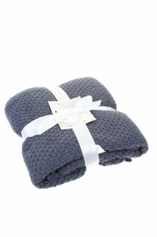 Одеяло C&A, Цвят Син, 55% полиестер, 45% акрил, Цена 27,36лв.