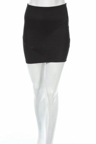 Пола Pull&Bear, Размер XS, Цвят Черен, 93% полиестер, 7% еластан, Цена 6,44лв.