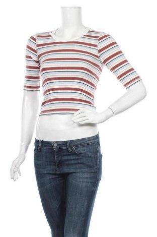 Дамска блуза Abercrombie & Fitch, Размер XS, Цвят Многоцветен, 57% памук, 39% полиестер, 4% еластан, Цена 41,30лв.