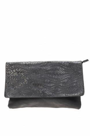 Дамска чанта Target, Цвят Черен, Еко кожа, Цена 11,34лв.