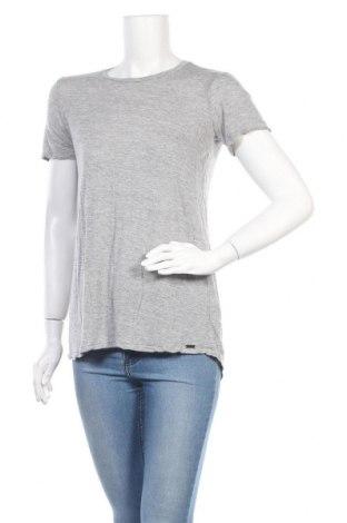 Дамска тениска Armani Exchange, Размер M, Цвят Сив, Модал, Цена 32,25лв.