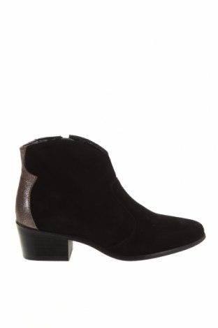 Dámské boty  Apolina, Velikost 38, Barva Černá, Přírodní velur , Cena  1360,00Kč