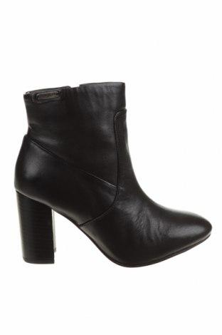 Дамски боти Pepe Jeans, Размер 36, Цвят Черен, Естествена кожа, Цена 289,00лв.