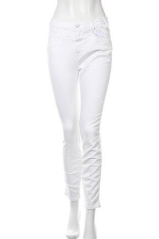 Дамски дънки Closed, Размер M, Цвят Бял, 92% памук, 8% еластан, Цена 117,18лв.