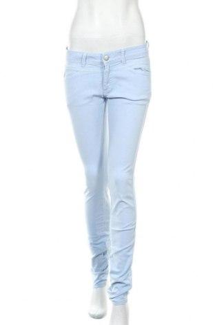 Дамски дънки Closed, Размер M, Цвят Син, 98% памук, 2% еластан, Цена 51,00лв.