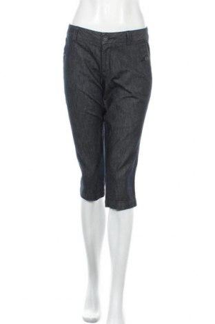 Дамски дънки Dockers, Размер M, Цвят Син, 99% памук, 1% еластан, Цена 6,48лв.