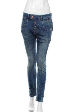 Дамски дънки Gang, Размер L, Цвят Син, 99% памук, 1% еластан, Цена 84,50лв.