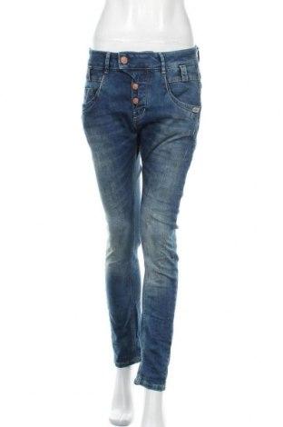 Дамски дънки Gang, Размер L, Цвят Син, 99% памук, 1% еластан, Цена 32,11лв.