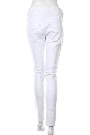 Дамски дънки Gang, Размер L, Цвят Бял, 98% памук, 2% еластан, Цена 104,25лв.