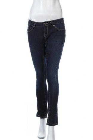 Дамски дънки Takko Fashion, Размер L, Цвят Син, 81% памук, 17% полиестер, 2% еластан, Цена 13,28лв.