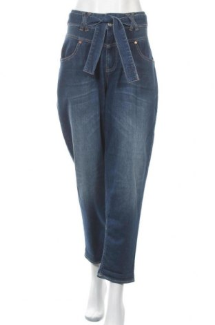 Дамски дънки Herrlicher, Размер L, Цвят Син, 92% памук, 6% полиестер, 2% еластан, Цена 96,85лв.