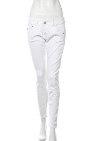Дамски дънки Herrlicher, Размер M, Цвят Бял, 92% памук, 5% полиестер, 3% еластан, Цена 79,30лв.