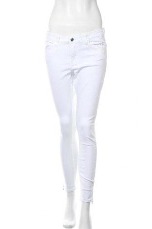 Дамски дънки Kiomi, Размер L, Цвят Бял, 98% памук, 2% еластан, Цена 12,96лв.