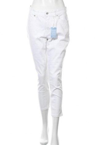 Дамски дънки Mac, Размер M, Цвят Бял, 92% памук, 2% еластан, Цена 83,30лв.