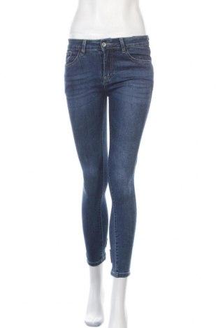 Дамски дънки Redial, Размер M, Цвят Син, 70% памук, 28% полиестер, 2% еластан, Цена 23,10лв.