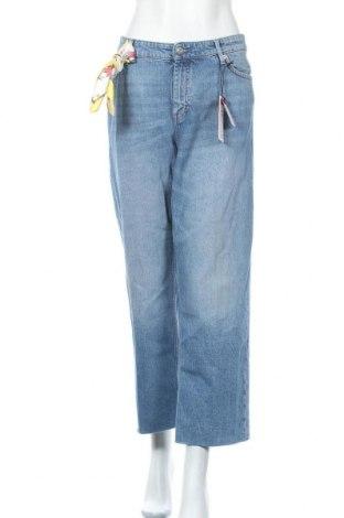 Дамски дънки S.Oliver, Размер XXL, Цвят Син, 99% памук, 1% еластан, Цена 48,95лв.