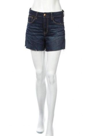 Дамски къс панталон American Eagle, Размер L, Цвят Син, 60% памук, 20% вискоза, 12% модал, 7% полиестер, 1% еластан, Цена 17,96лв.
