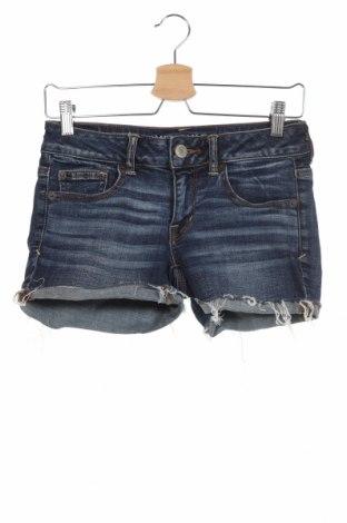 Дамски къс панталон American Eagle, Размер XS, Цвят Син, 99% памук, 1% еластан, Цена 17,85лв.