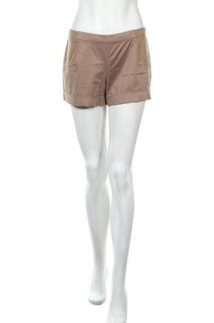 Дамски къс панталон BCBG Max Azria, Размер S, Цвят Бежов, 97% памук, 3% еластан, Цена 58,50лв.