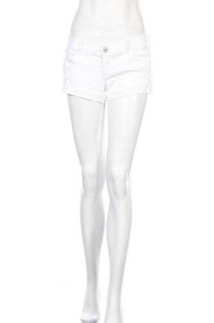 Γυναικείο κοντό παντελόνι Hollister, Μέγεθος M, Χρώμα Λευκό, 98% βαμβάκι, 2% ελαστάνη, Τιμή 9,87€