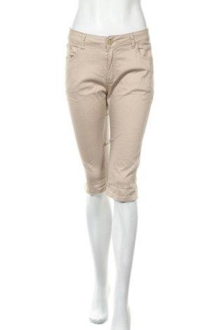 Дамски къс панталон Miss Cherry, Размер L, Цвят Бежов, 95% памук, 5% еластан, Цена 22,05лв.
