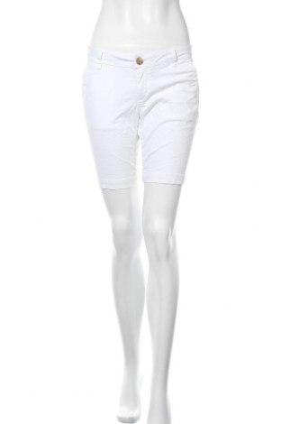 Дамски къс панталон So, Размер M, Цвят Бял, 98% памук, 2% еластан, Цена 24,57лв.
