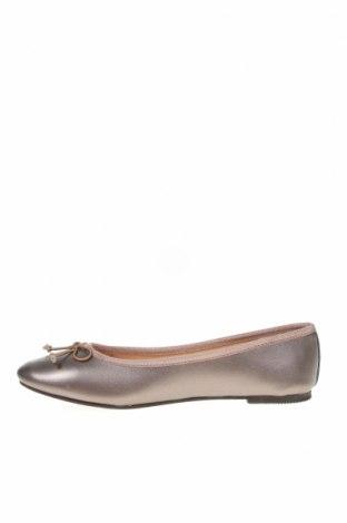Дамски обувки, Размер 38, Цвят Бежов, Естествена кожа, Цена 30,52лв.