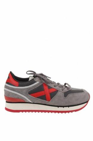 Дамски обувки Munich, Размер 39, Цвят Сив, Естествен велур, текстил, Цена 86,42лв.