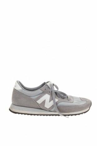 Дамски обувки New Balance, Размер 39, Цвят Сив, Естествен велур, текстил, Цена 48,88лв.