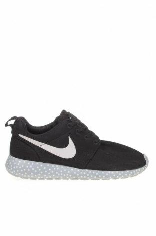 Дамски обувки Nike, Размер 38, Цвят Черен, Текстил, Цена 47,25лв.