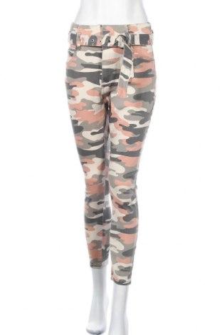 Дамски панталон Bershka, Размер M, Цвят Многоцветен, 98% памук, 2% еластан, Цена 33,68лв.