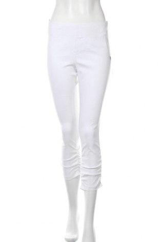 Дамски панталон Betty Barclay, Размер M, Цвят Бял, 70% вискоза, 25% полиамид, 5% еластан, Цена 33,18лв.