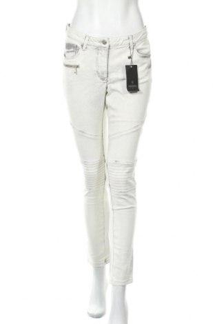 Дамски панталон Madeleine, Размер M, Цвят Сив, 97% памук, 3% еластан, Цена 60,95лв.
