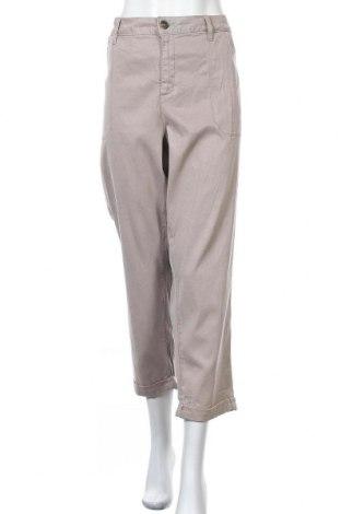 Дамски панталон NYDJ, Размер XXL, Цвят Бежов, 62% лиосел, 35% памук, 3% еластан, Цена 38,90лв.