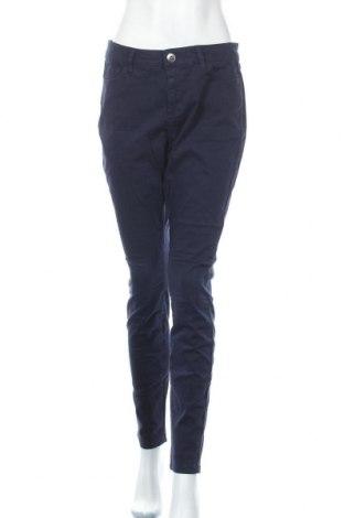 Дамски панталон Triangle By s.Oliver, Размер L, Цвят Син, 98% памук, 2% еластан, Цена 61,10лв.