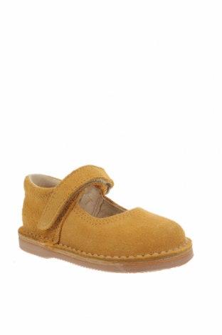 Детски обувки Little Celebs, Размер 20, Цвят Жълт, Естествен велур, Цена 18,17лв.