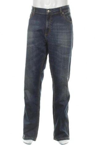 Мъжки дънки Wrangler, Размер XL, Цвят Син, 99% памук, 1% еластан, Цена 103,74лв.