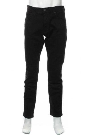 Мъжки дънки Wrangler, Размер L, Цвят Черен, 98% памук, 2% еластан, Цена 96,75лв.