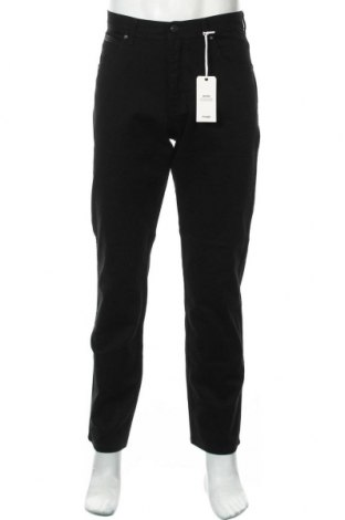Мъжки дънки Wrangler, Размер M, Цвят Черен, 98% памук, 2% еластан, Цена 96,75лв.