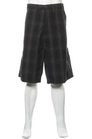 Мъжки къс панталон Wrangler, Размер 3XL, Цвят Сив, Памук, Цена 25,20лв.
