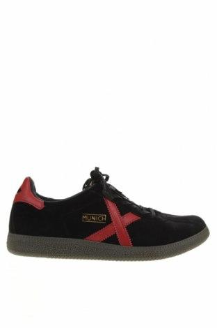 Мъжки обувки Munich, Размер 44, Цвят Черен, Естествен велур, Цена 86,42лв.