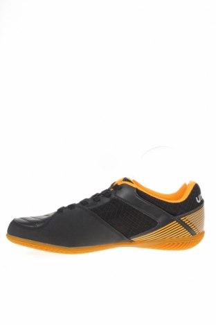 Мъжки обувки Umbro, Размер 43, Цвят Черен, Еко кожа, текстил, Цена 74,25лв.