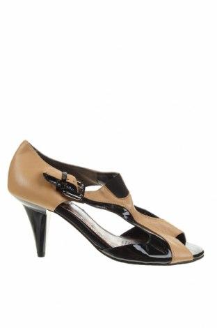 Обувки Diana Ferrari, Размер 38, Цвят Бежов, Естествена кожа, Цена 32,76лв.