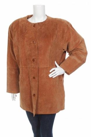 Дамско кожено палто, Размер L, Цвят Кафяв, Естествен велур, Цена 28,60лв.