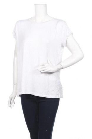 Дамска тениска Atmos & Here, Размер M, Цвят Бял, 95% вискоза, 5% еластан, Цена 8,40лв.