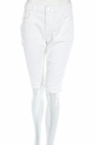 Дамски къс панталон Tom Tailor, Размер L, Цвят Бял, 98% памук, 2% еластан, Цена 42,09лв.