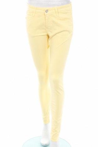 Дамски панталон Le Temps Des Cerises, Размер M, Цвят Жълт, 98% памук, 2% еластан, Цена 43,80лв.