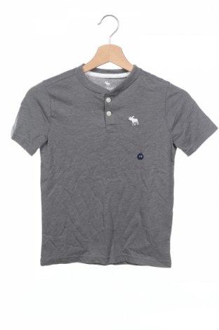 Детска тениска Abercrombie Kids, Размер 7-8y/ 128-134 см, Цвят Сив, 60% памук, 40% полиестер, Цена 19,72лв.