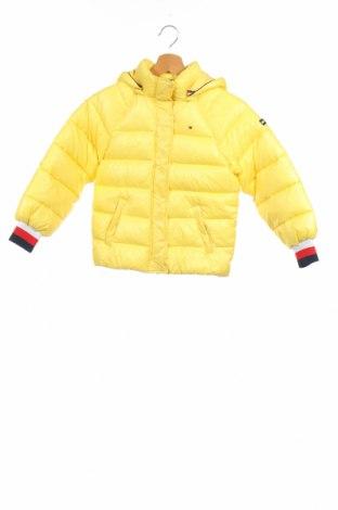 Детско яке Tommy Hilfiger, Размер 7-8y/ 128-134 см, Цвят Жълт, 100% полиамид, Цена 186,56лв.