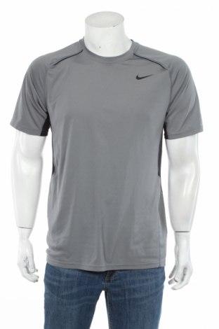Tricou de bărbați Nike, Mărime M, Culoare Gri, 100% poliester, Preț 62,17 Lei